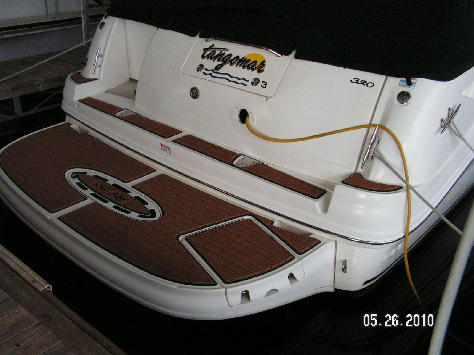 Sea Ray 320 Sundancer With Faux Teak Platform Pad Seadek