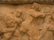 Atenció amb els lleons de Delfi!