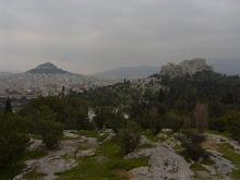 L'acrópolis, la metrópolis i els turons bressol.