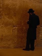 Pregant de cara a la paret. Jerusalem