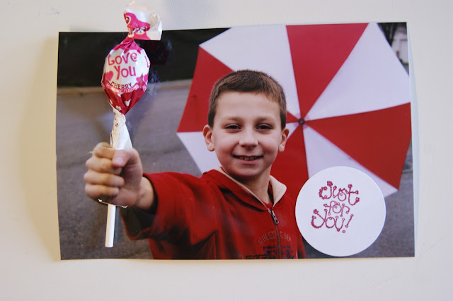 Cute and Easy Lollipop Valentines @michellepaigeblogs.com
