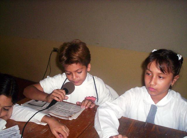 Radio en la escuela (Casa de la Cultura de Naranjal, Junio 2007)