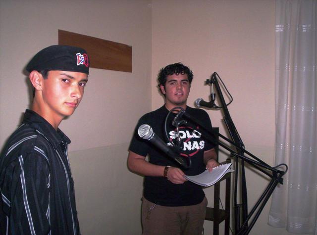 Participantes en accion (Taller Vacacional de Locución de Radio)