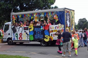 Yorke Mead School float