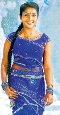 Actress navya nair navel show captured in pen cam by driver - 2 3