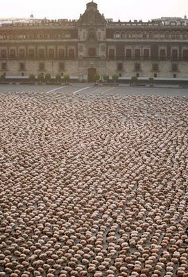 Spencer Tunik photograhy, Thousands of naked volunteers posed in Mexico City (Reuters: Daniel Aguilar)