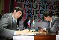 Kramnik y Leko en la ronda 12 del Campeonato Mundial de Ajedrez 2007