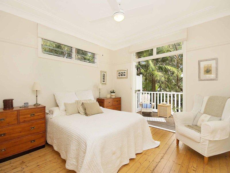 Mi Casa Design: A Big Comfy Bedroom Reading Chair