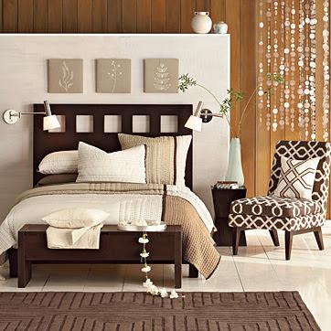 El marrón es un color masculino, severo, confortable. Los tonos de la tierra, marrones claros, beige, son tonos de extremada delicadeza y apacibilidad,