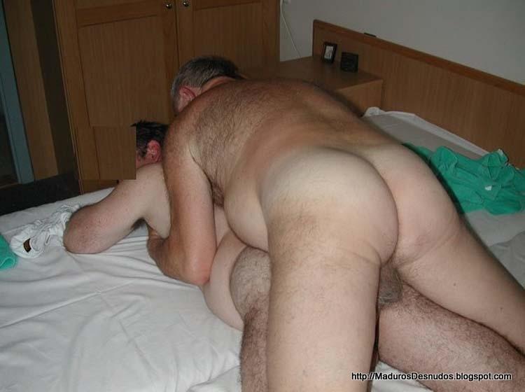 Sexo gays maduros casero
