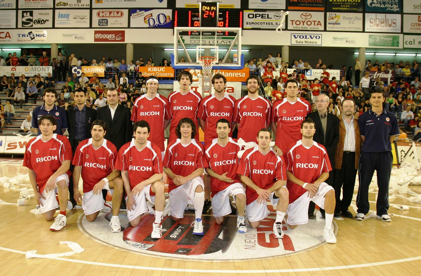 [Plantilla RICOH Manresa play off LEB 2006-07.jpg]
