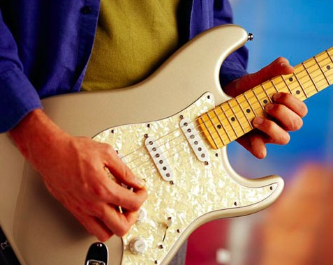 [guitarplayer.jpg]