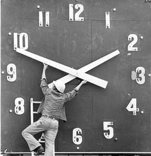 [clock-hands.jpg]