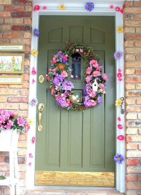 Decorative work: Door decoration with flowers