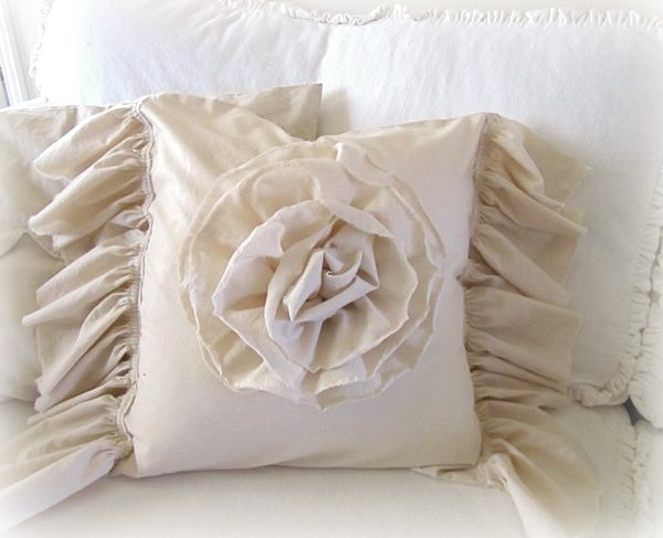 Ruffled Muslin Pillow Tutorial
