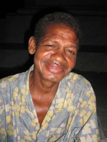 El cuchilla Geles (Q.E.P.D) (Humorista callejero colombiano)