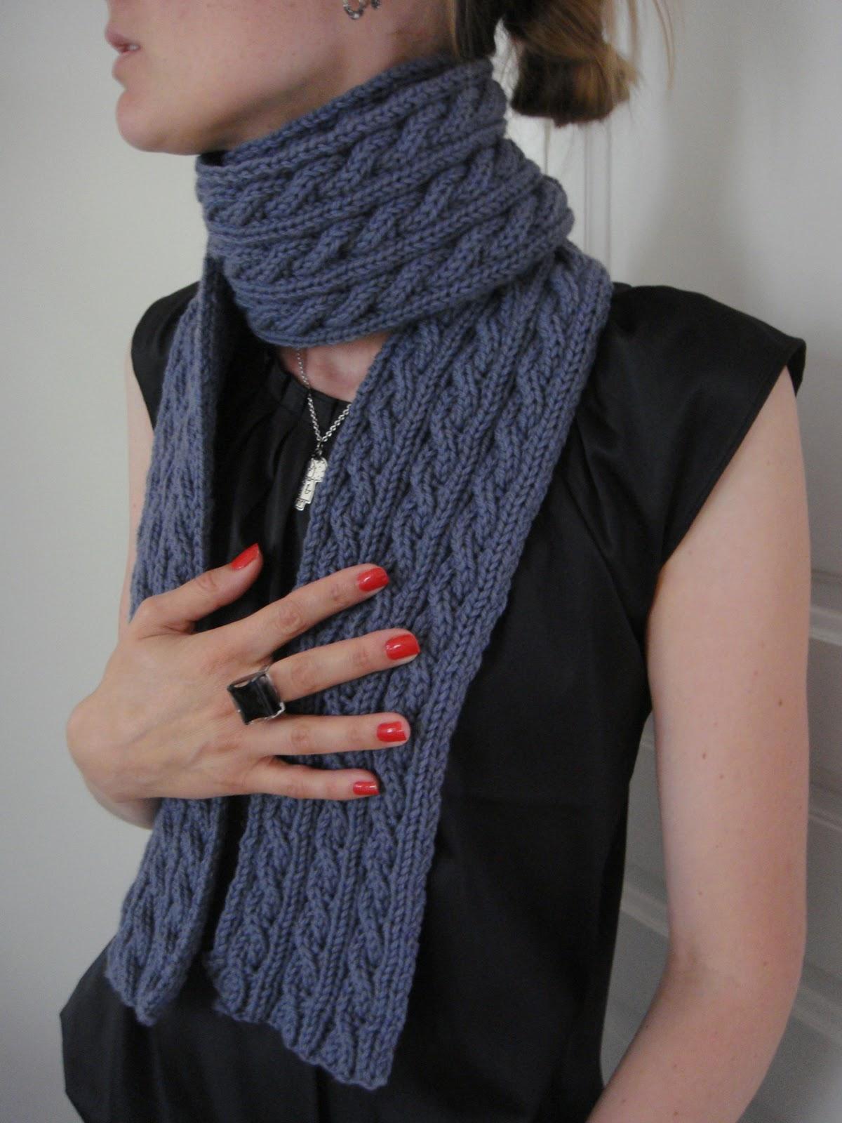 60bda096e17d Palindrome   L écharpe réversible à torsades – Knit Spirit