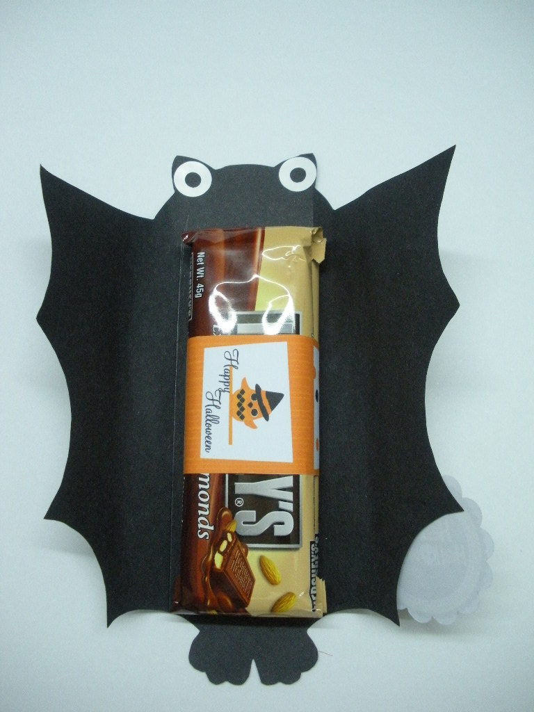 Paperpapier treat box batty hershey wrapper for Bat candy bar wrapper template