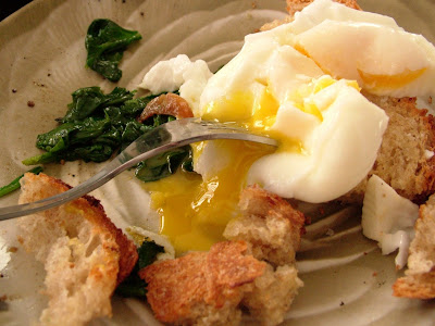 Eggs+%26+toast+%26+spinach Day 48: Poached Eggs on Toast and Sautéed Spinach with Garlic