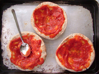 PPizzas+1 Day 55: Pita Pizzas