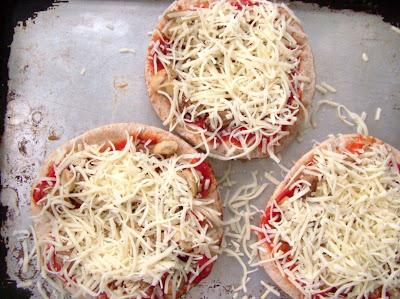 PPizzas+3 Day 55: Pita Pizzas