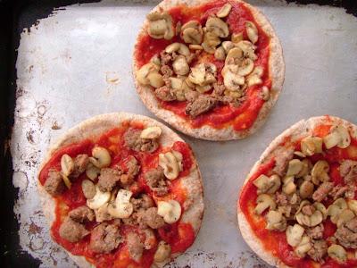PPizzas+2 Day 55: Pita Pizzas