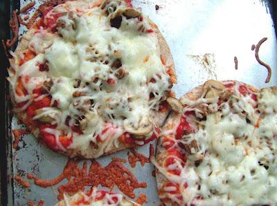 Pita+pizzas Day 55: Pita Pizzas