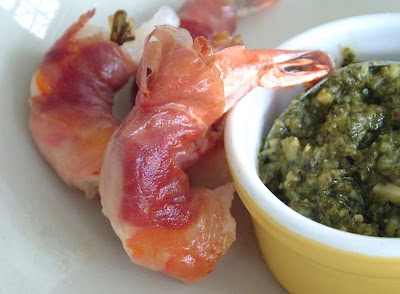 Prawns+%26+Pesto Day 109: Prosciutto wrapped Prawns with Pesto and Balsamic Mushroom Crostini (among other things)