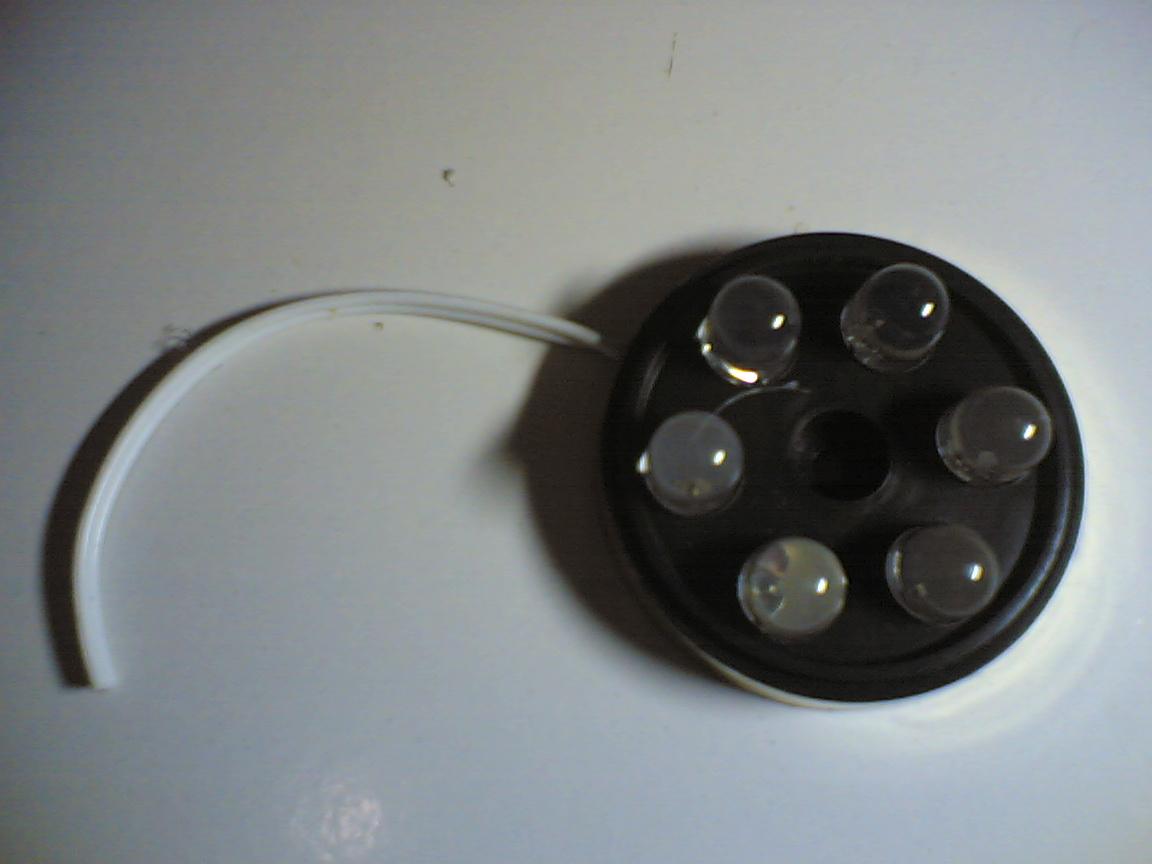 Pertama: Lampu Box Mobil Modifikasi