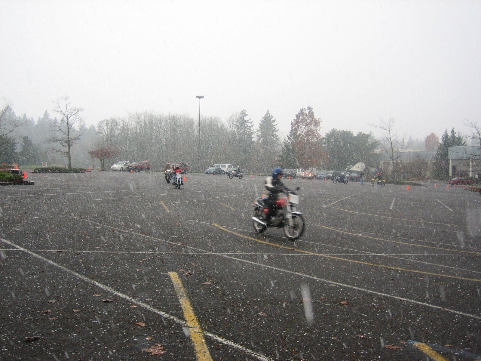 [Snow+bike]