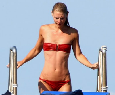 Hollywood Gossip: Claire Danes Red Bikini Pictures
