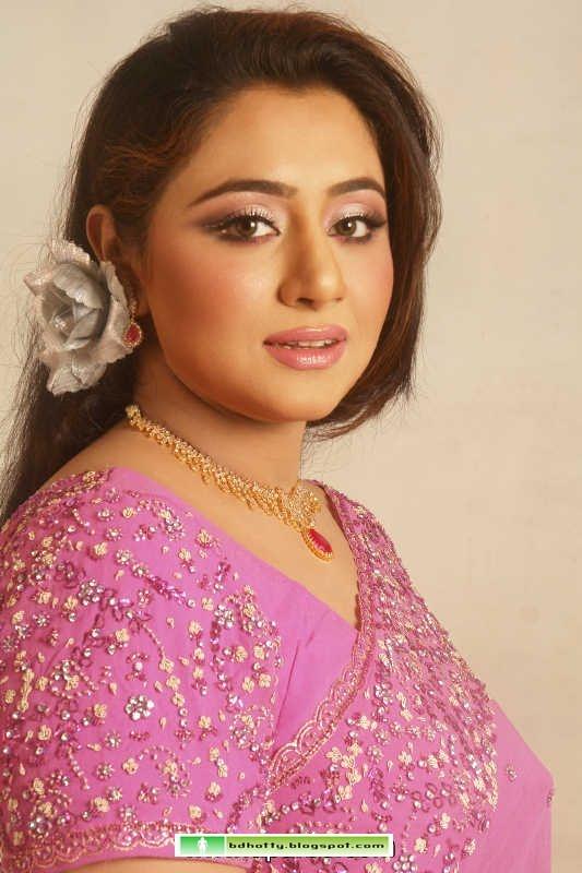 Bangladeshi Sexy Singer Eva Rahman Hot Gallery-5087