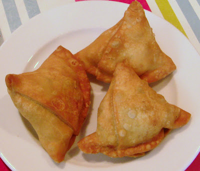 Samosa is  king of the snacks in India, people not only from India admire this versatile snack but is also loved and enjoys world wide popularity.