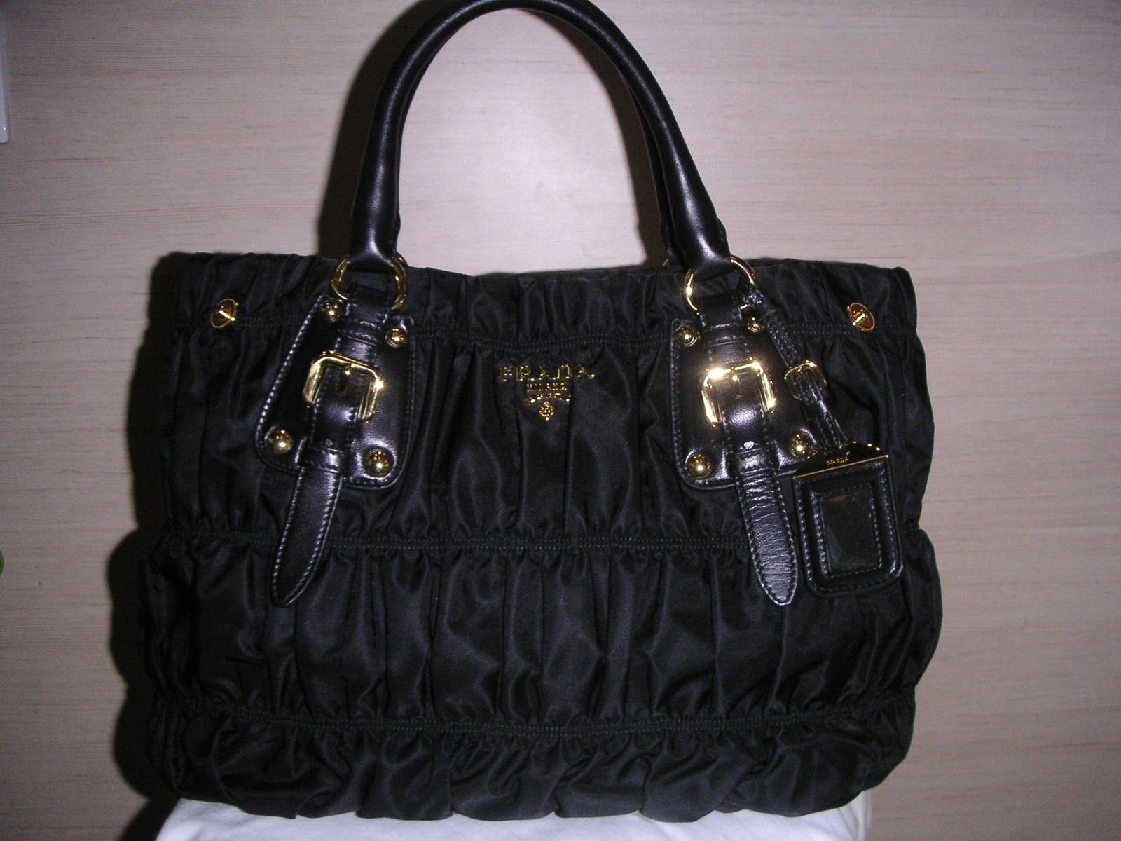 e47fea999614 ... hot selling this very popular bag prada bn1792 tessuto gaufre at s1900.  f59e5 32a98