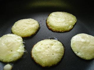 Cara Membuat Pancake Sederhana Susu Telur Mudah di Rumah Tanpa Baking Powder Tapi Enak dan Lezat