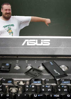 Asus makes crappy laptops with no warranty