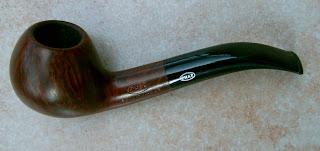 besoin de renseignements sur 2 vieilles pipes! Chap+2