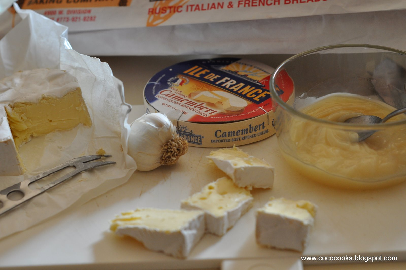 how to cook camembert cheese with garlic
