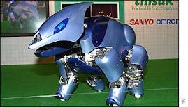 este robot es manejado por telefono celular y se encarga de cuidar la casa