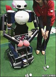 este es un robot capaz de jugar golf