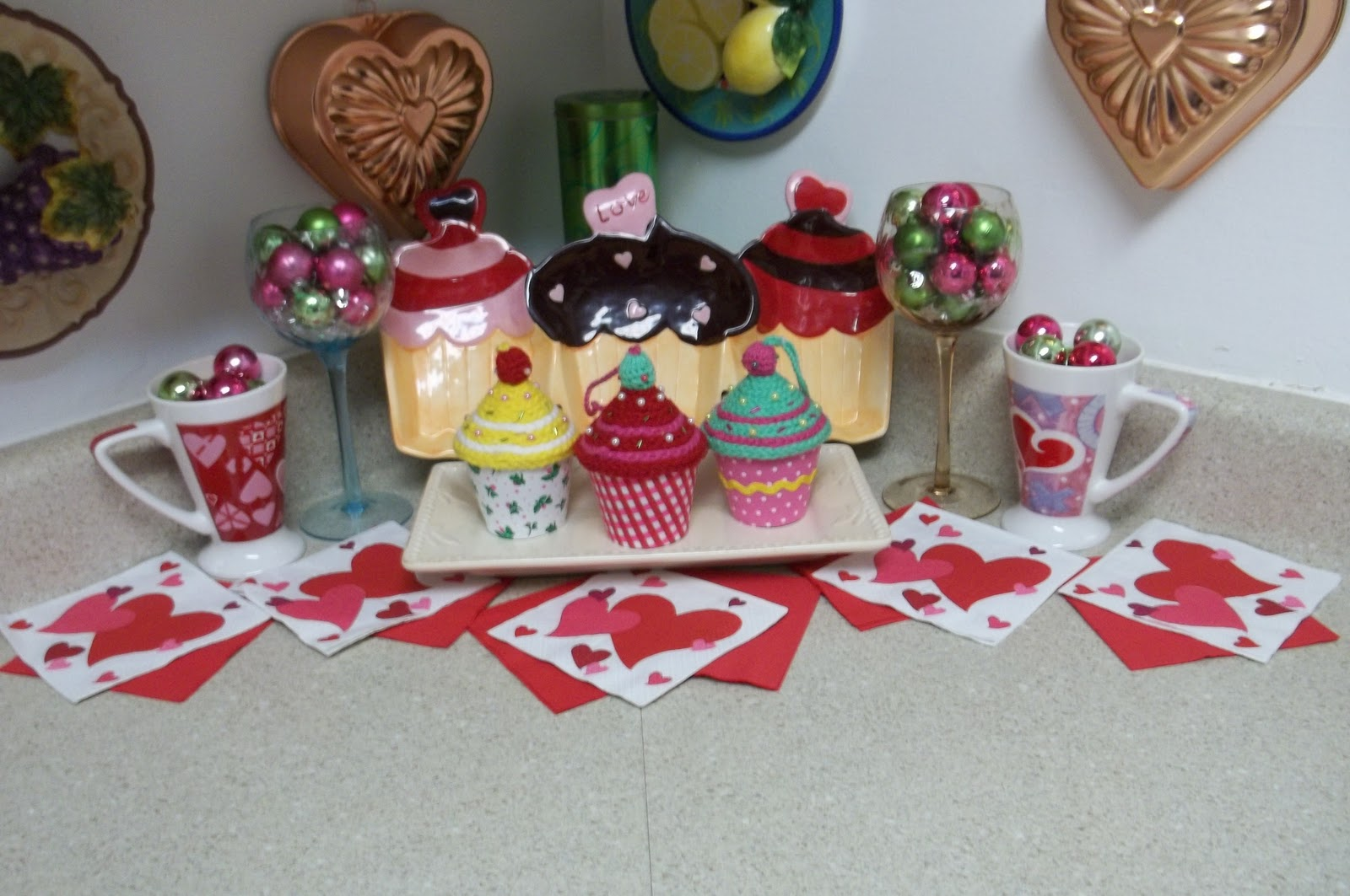 Cupcake Home Decor. Primitives By Kathy Classic Box Sign