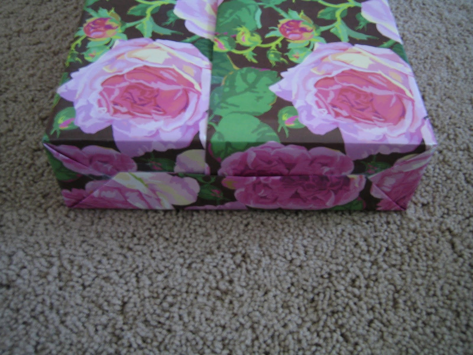 Make flowers out of wrapping paper gardening flower and vegetables wrapping paper gift bag mightylinksfo