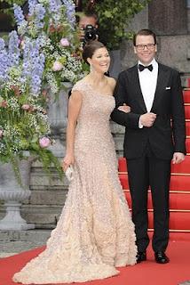 la boda de la princesa victoria de suecia VESTIDO+NUDE+ELIE+SAAB Nude!