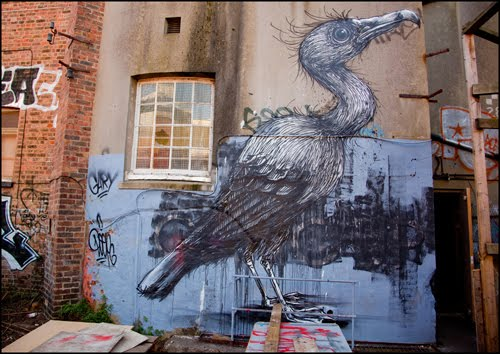 Belgian Street Artist Roa's animal murals in London and Brighton.