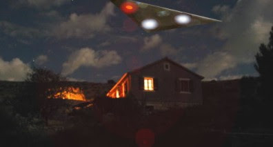 Triangular UFO Over Victoria