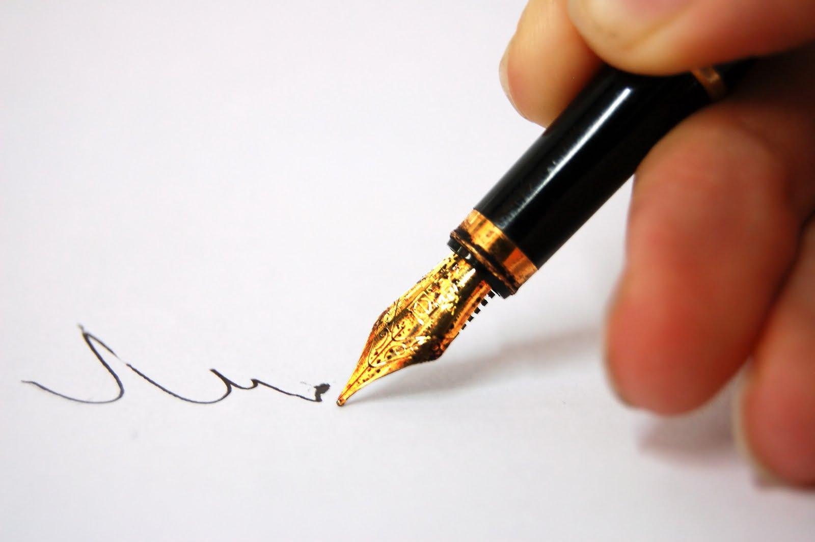 10 lines on pen