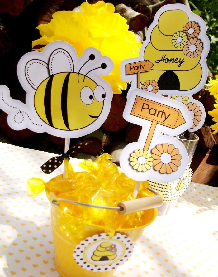 Honey Bee-Day Inspired Birthday Party - BirdsParty.com