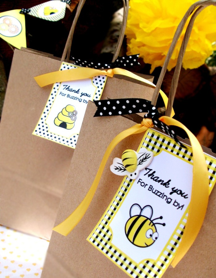 Honey Bee-Day Inspired Birthday Party - BirdsParty.com