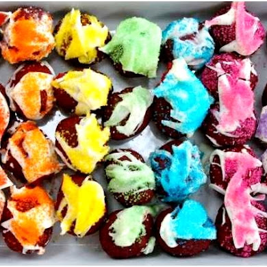 A Colorful Rainbow Art Birthday Party