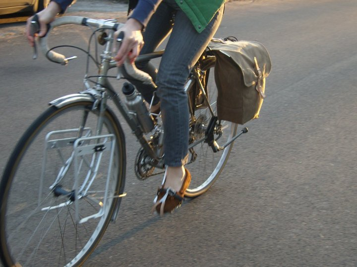 67029eb36a Philly-based Laplander makes these classic style panniers. While similar to  Brooks' Brick Lane Roll-Up Panniers, Laplander's (more affordable version)  are ...